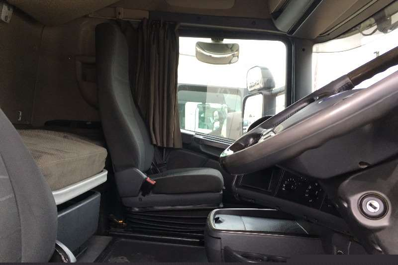 Scania  double axle 2011 Scania R620 Truck-Tractor