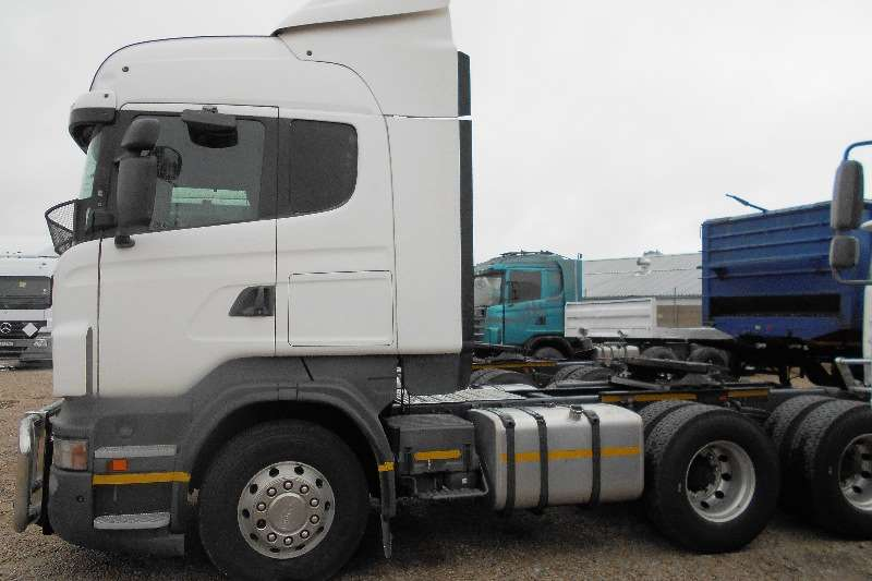 Truck-Tractor Scania  Double Axle R460 2012