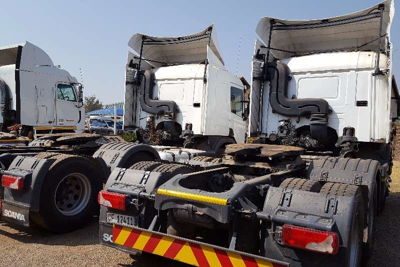 Scania  double axle SCANIA P360 Truck-Tractor