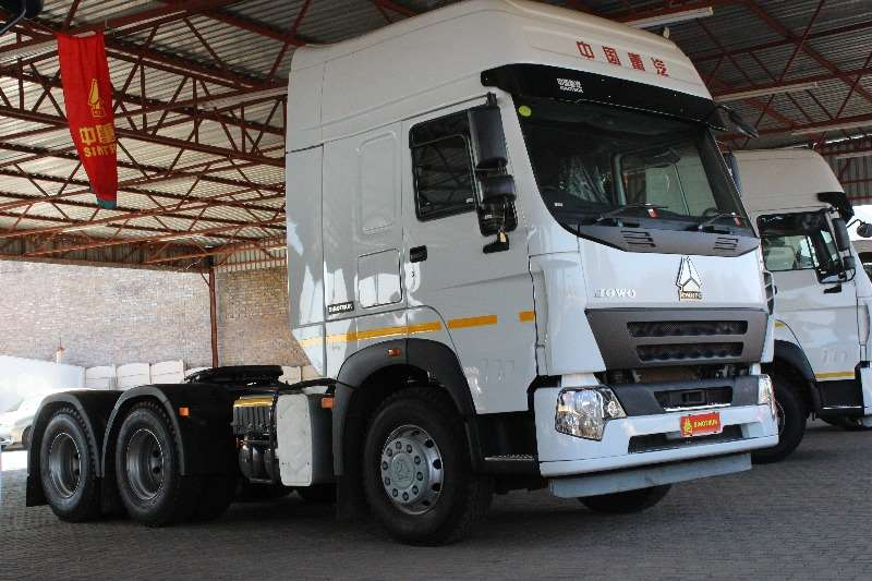 Sinotruk  double axle HOWO V7G 64430 Truck-Tractor