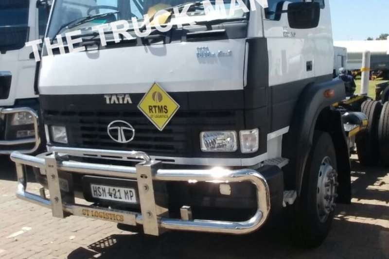 Truck-Tractor Tata Single Axle 1518 2015