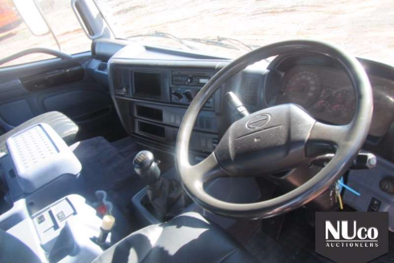Toyota HINO 700 2845 6X4 HORSE Truck-Tractor