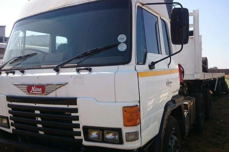 Toyota Toyota Super Dolfin Truck-Tractor