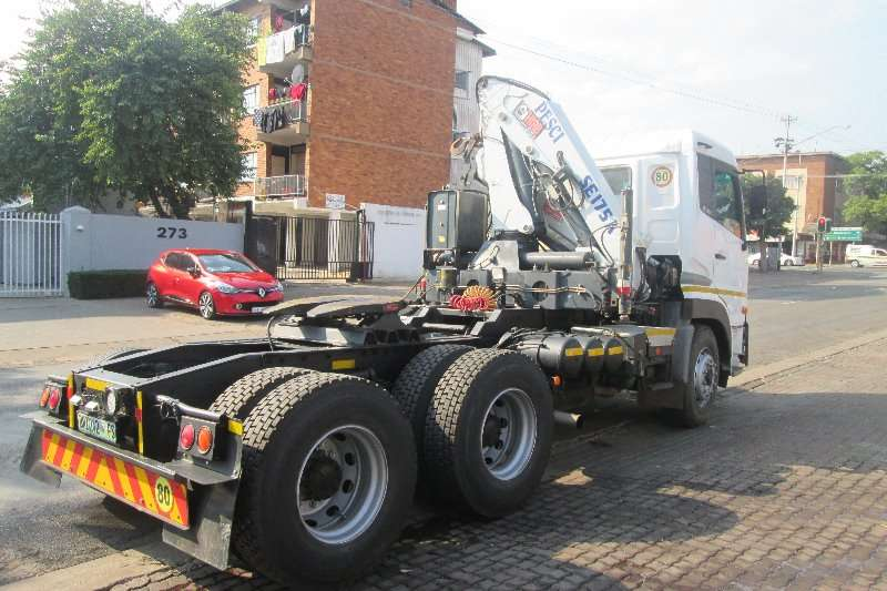UD  double axle 390 Truck-Tractor