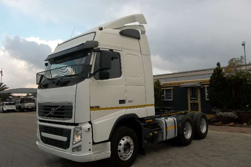Truck-Tractor Volvo  Double Axle fh 440 2010