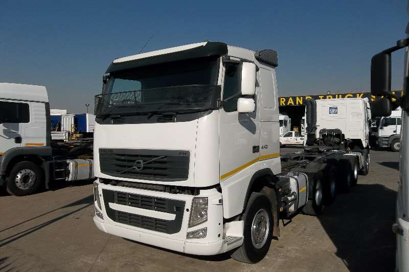 Volvo  double axle FH 440  Truck-Tractor
