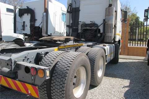 Volvo  double axle FH12 380 Truck-Tractor