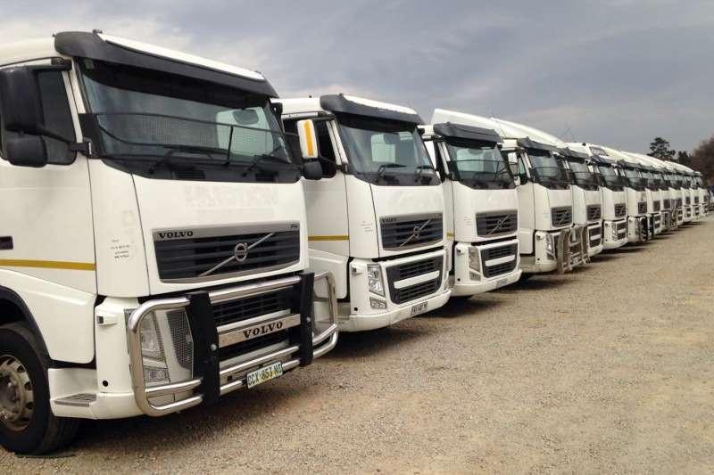 Truck-Tractor Volvo  Double Axle FH13 440 2012