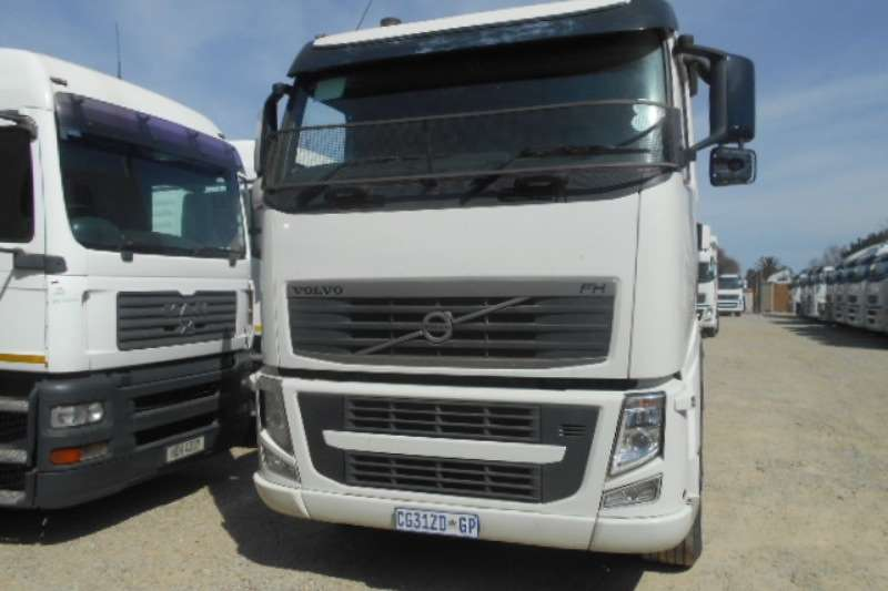 Truck-Tractor Volvo  Double Axle FH13 440 2013