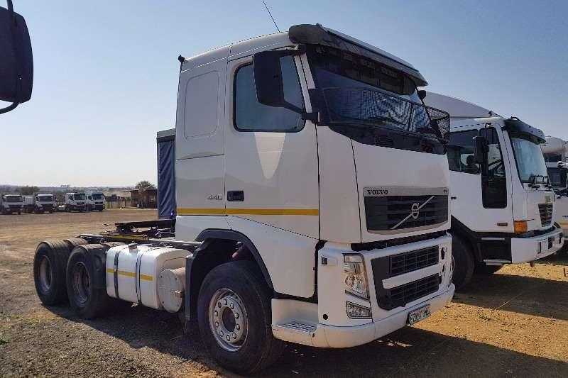 Volvo  double axle FH440 Truck-Tractor