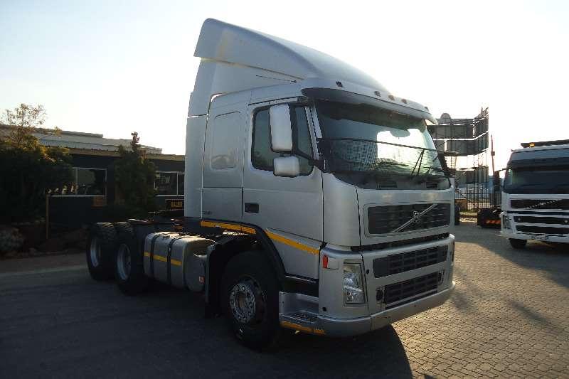 Volvo  double axle FM-12- 380 T/T C/C Truck-Tractor