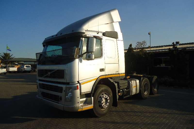 Truck-Tractor Volvo  Double Axle FM-12- 380 T/T C/C 2005