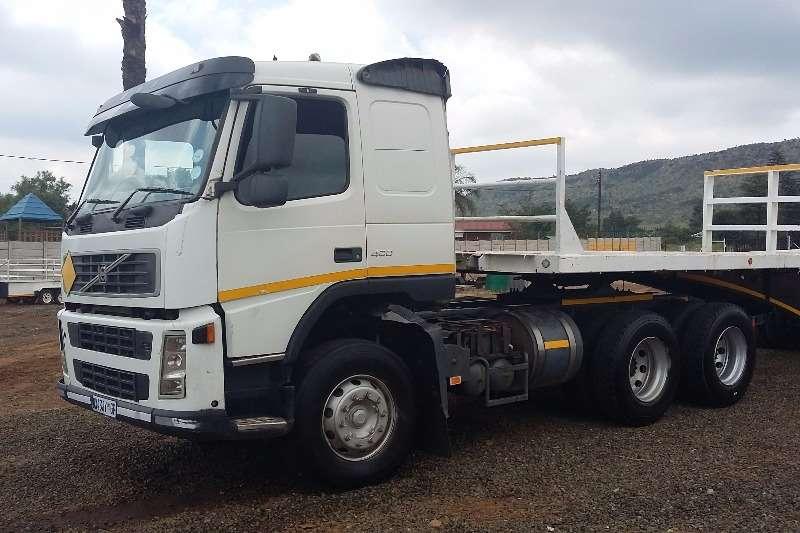Volvo  double axle FM 400 Truck-Tractor