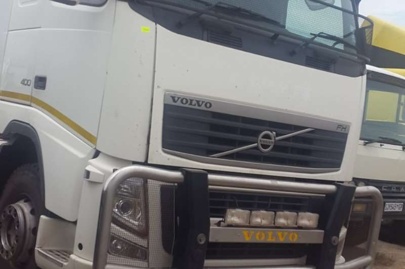 Volvo  double axle FM12 400 Truck-Tractor