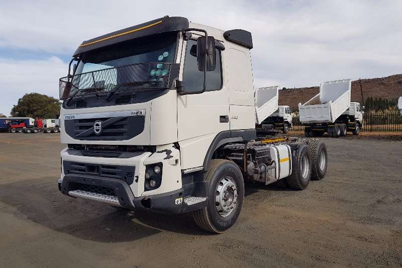 Volvo  double axle FMX440 Truck-Tractor