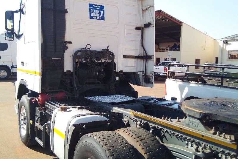 Volvo  double axle VolvoFH 440 Truck-Tractor