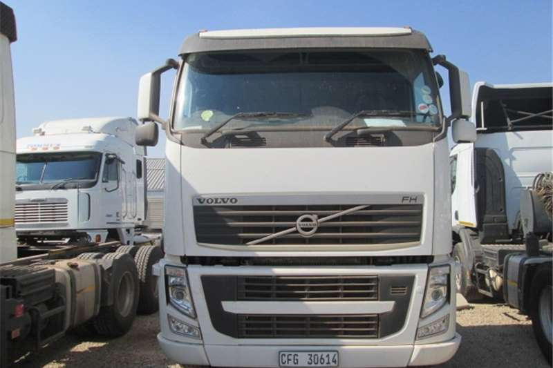 Truck-Tractor Volvo FH13 440 2013