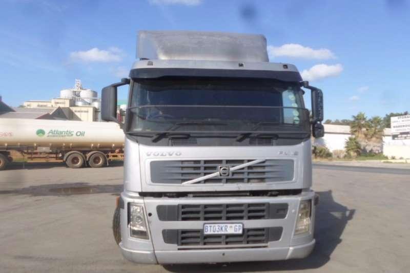Volvo Single axle Volvo FM12 with Hydraulics Truck-Tractor
