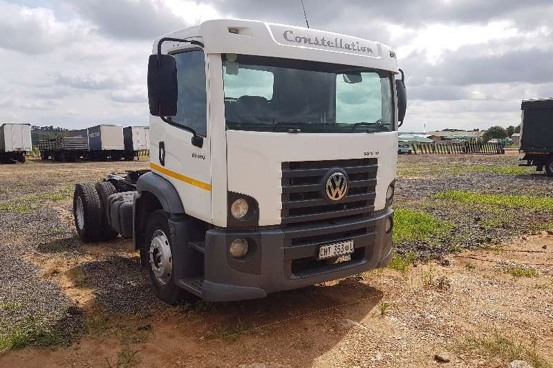VW Single axle 13.180 Constelation Truck-Tractor