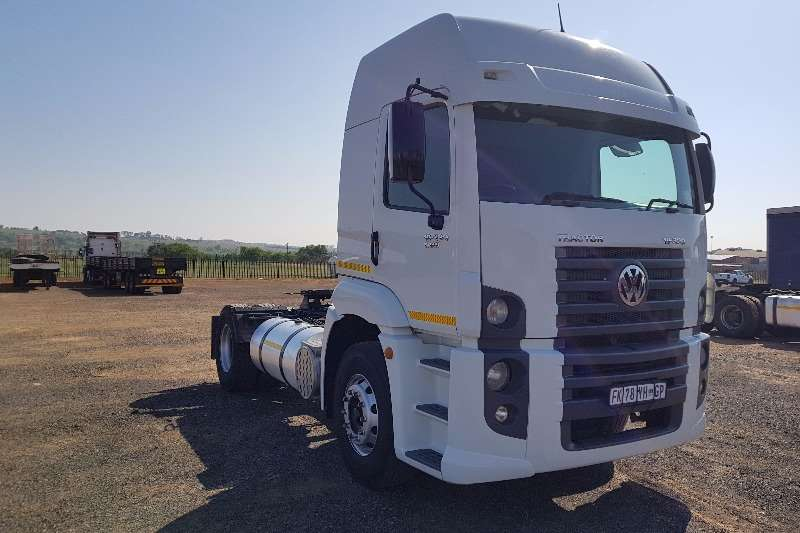 Truck-Tractor VW Single Axle Constellation 19.320 2011