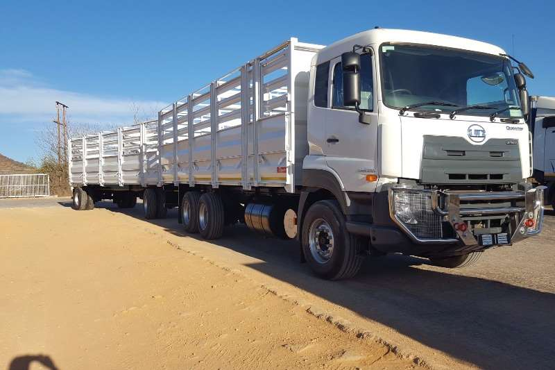UD Cattle body UD Quester E24 6x4 F/C with Cattlebody and Trailer Truck