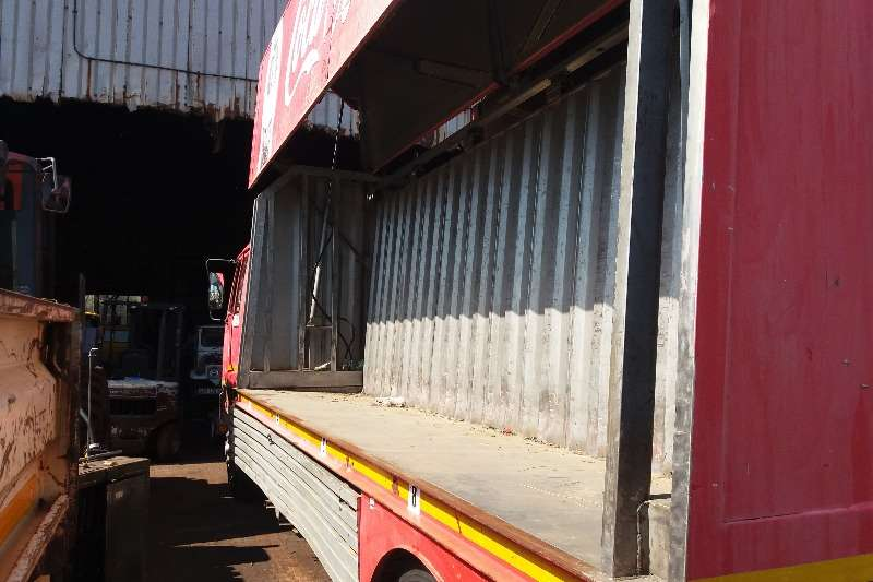 UD Closed body UD 90 Beverage Load Body Truck
