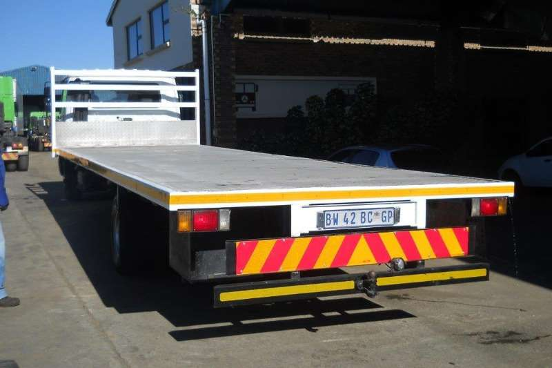 UD Flat deck 60 with 8.5m Flatdeck body Truck