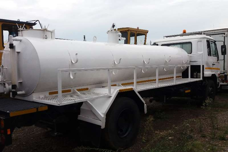 UD Other UD 80 Vacuum Tanker 8000L Truck