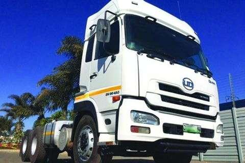UD UD GW 26-490 TT Sleep 6x4- Truck