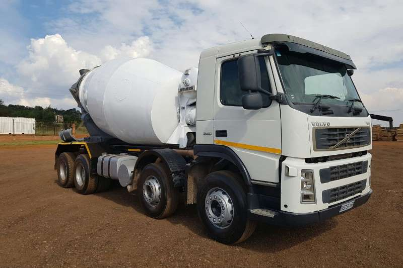 Volvo Concrete mixer FM 9 340 8M3 Mixer Truck