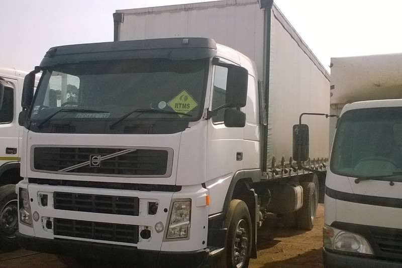 Truck Volvo Curtain Side Tautliner 2007