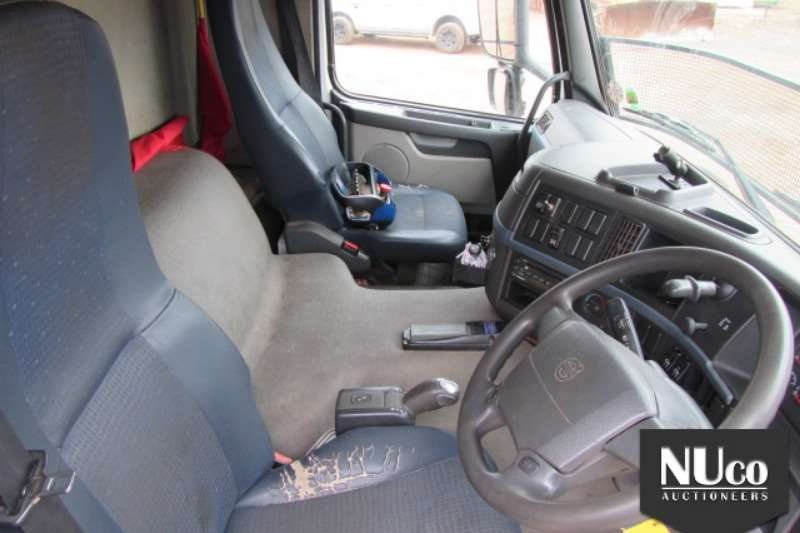 Volvo FM340 8X4 WITH ALTEC CHERRY PICKER & HYDR CRANE Truck