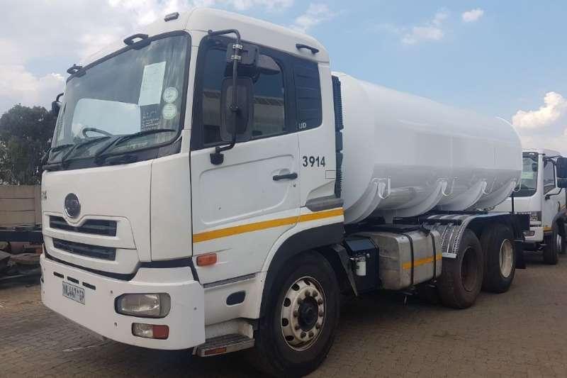 Water tanker Nissan UD 390 Truck