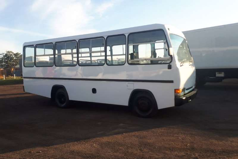 Nissan NISSAN UD35 BUS 25 SEATER