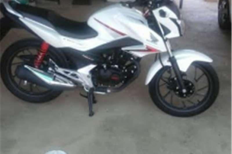 Honda CB125FModel 2450KM 2016