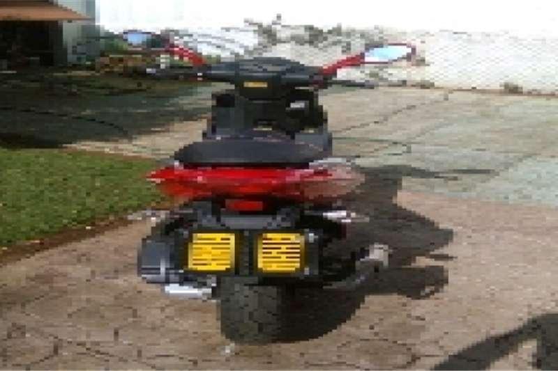 Jonway 125 cc like new 2000km 0