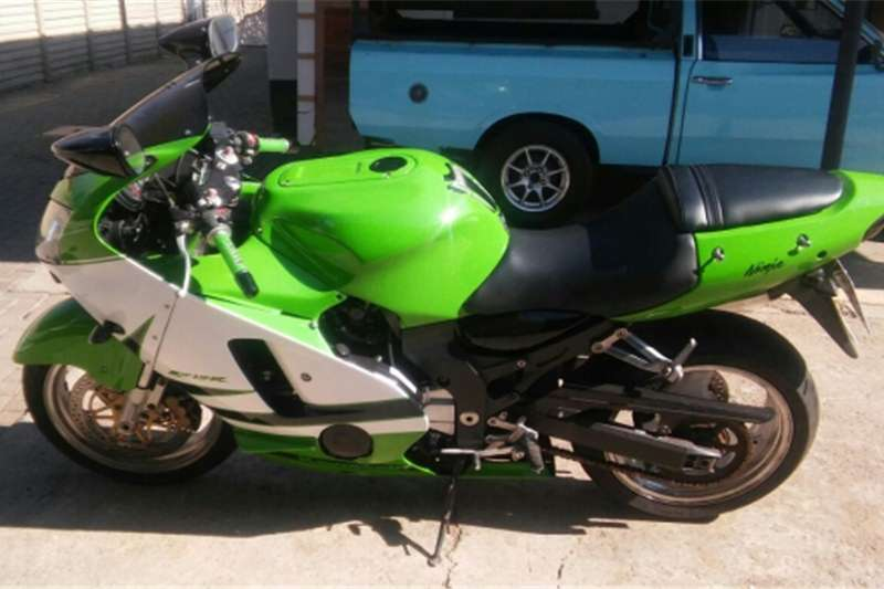 Kawasaki ZX 1200   URGENT SALE DUE TO RELOCATING TO WESTERN CA 0