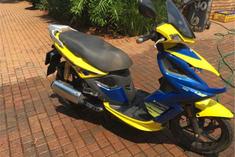Kymco Super8 scooter 0