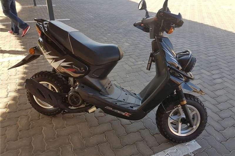 Puzey XTR Bladez G-Whizz 150 (125cc) 2017