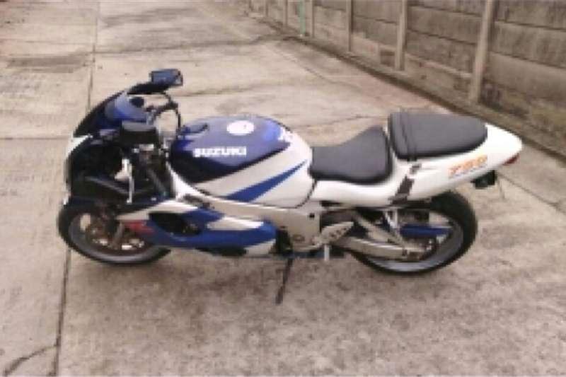 Suzuki 750srad 0