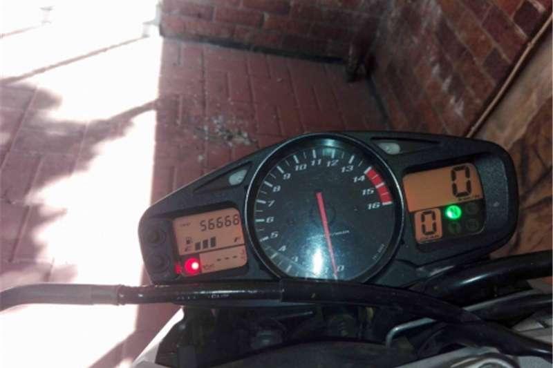 Suzuki GSR600 0