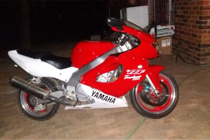 Yamaha YZF 1000 Thunderace 0
