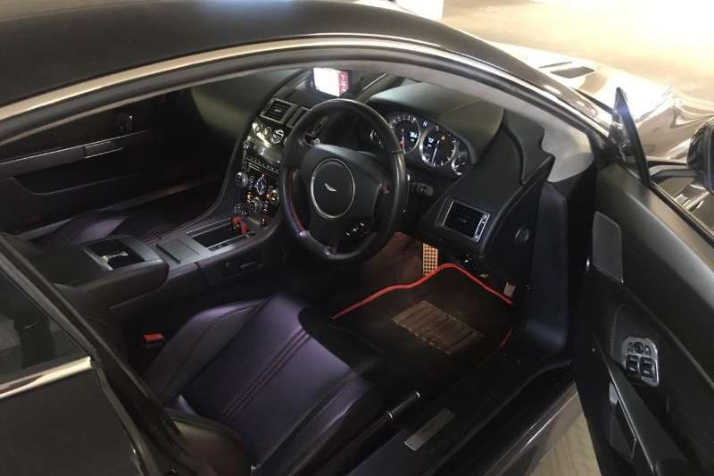 Aston Martin Vantage Coupe Vantage s v8 2012