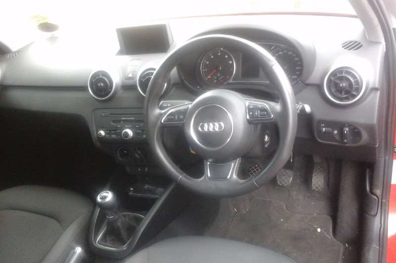 Audi A1 Sportback 1.2T Attraction 2012