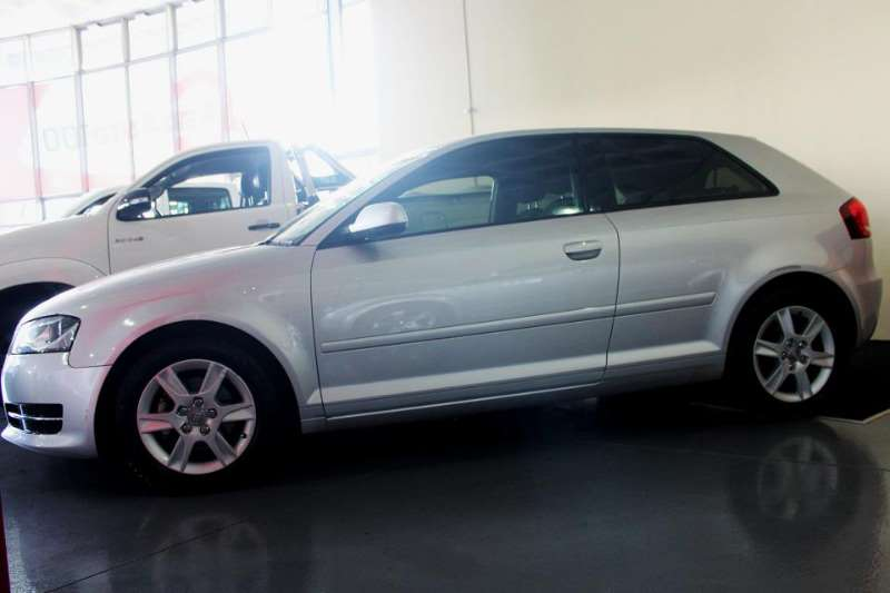 Audi A3 1.4T TFSI Attraction STRONIC 2012