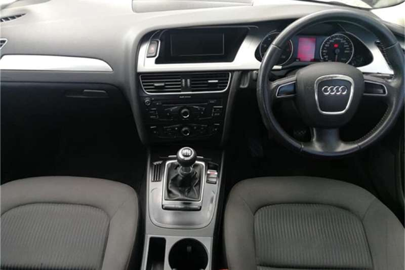 Audi A4 1.8T Attraction 2012
