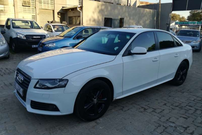 Audi A4 1.8T Attraction multitronic 2012