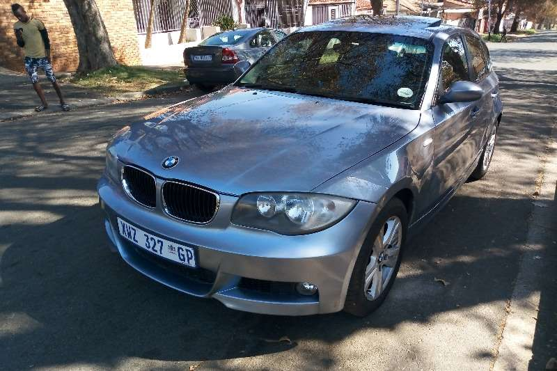 BMW 1 Series 116i 5 door auto 2010