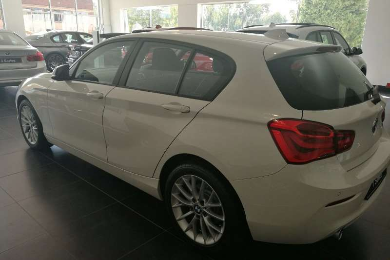 BMW 1 Series 118i 5 door 2017