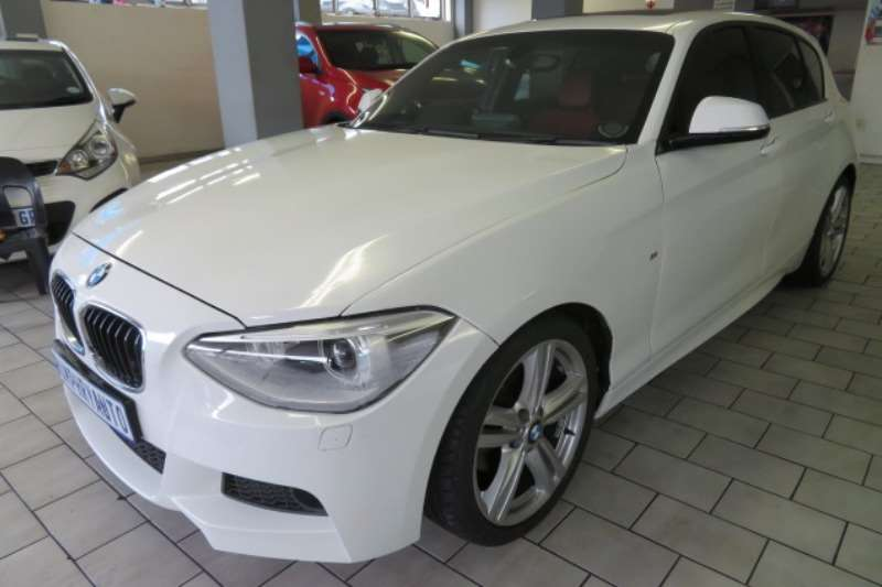BMW 1 Series 118i 5 door auto 2014